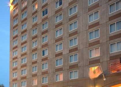 Welcome to Embassy Suites Boston at Logan Airport