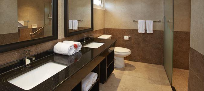 Oceanfront Lanai Guestroom