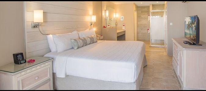 Two Bedroom Beachfront Luxury Suite