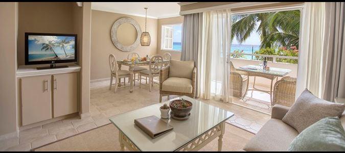 Two Bedroom Beachfront Luxury Suite Living Room