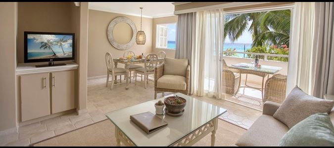 Two Bedroom Beachfront Luxury Suite Living Room