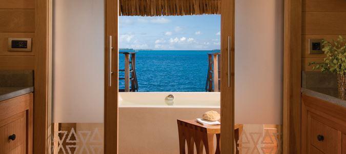 Deluxe Lagoonview Overwater Bungalow Suite