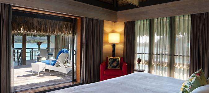 King Overwater Deluxe Suite Villa