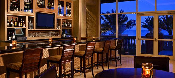 Skimmers Lobby Bar