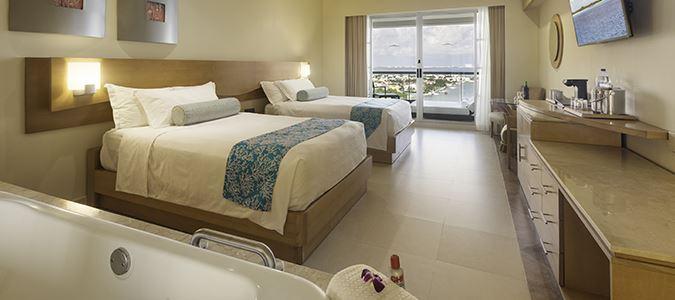 Superior Deluxe Lagoonview Guestroom
