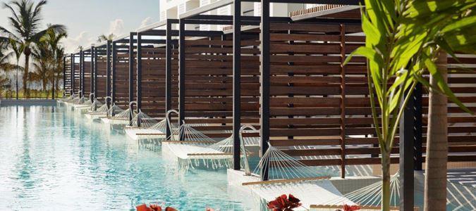 Pool Junior Swim Up Suites