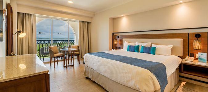 Luxury Oceanfront Guestroom