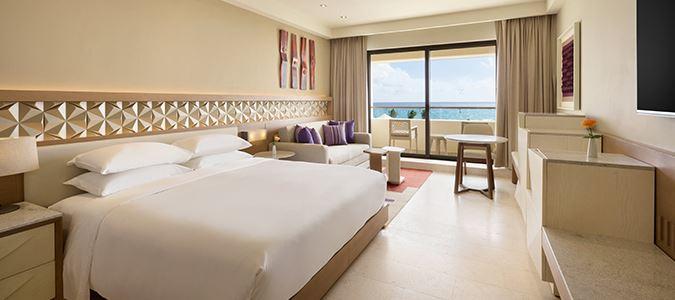 Club Oceanfront Guestroom