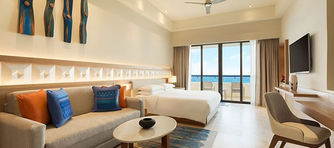 Oceanfront Pyramid Suite