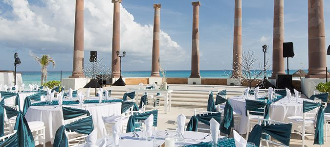 Poolside Wedding Receptions
