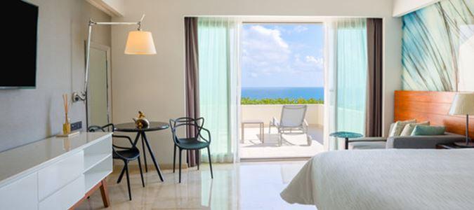 Premium Oceanfront Guestroom