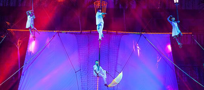 Red Circus: Vegas-style aerial dance and acrobatics shows