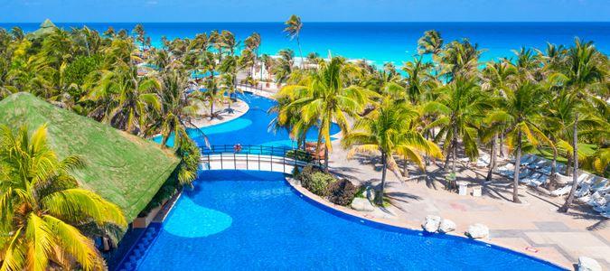 Quarter-mile pool with ocean views