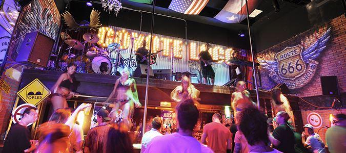Coyote Loco Bar