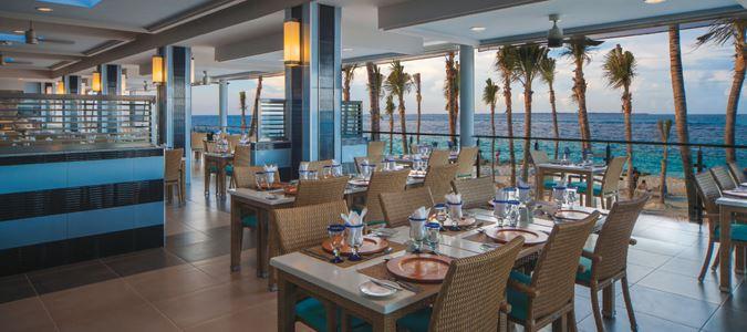 Coral Poolside Restaurant