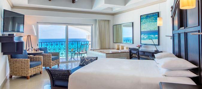 Oceanfront Junior Suite King
