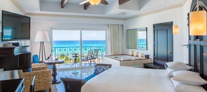 Oceanfront Luxury Suite King