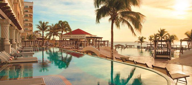 Swim Up Suites at Sunset