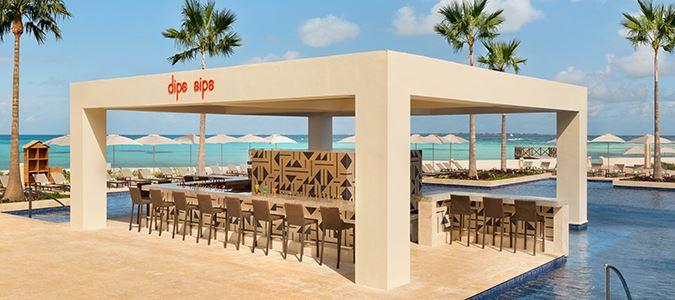 Dips & Sips Poolside Bar
