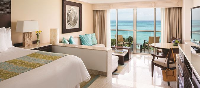 U Club Oceanfront Junior Suite King