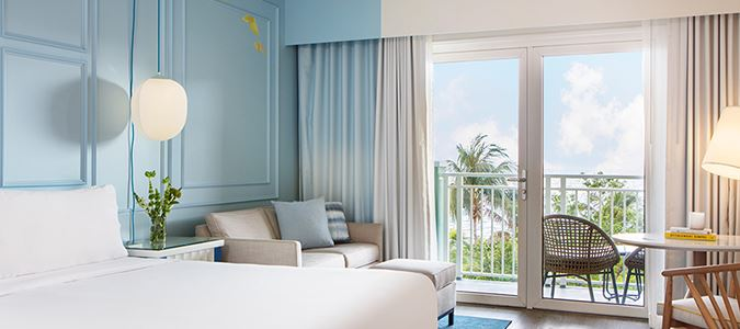 Ocean King Guestroom with Full Balcony