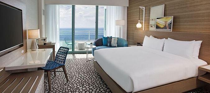 Deluxe Oceanfront Balcony Guestroom
