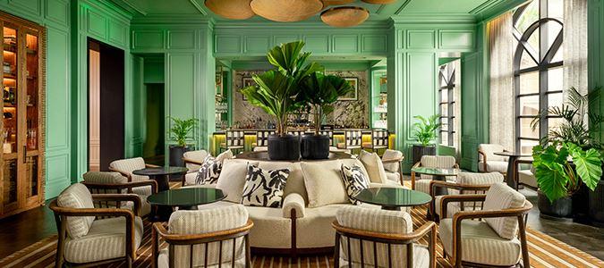 Silver Palm Lounge