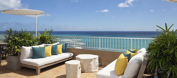 Coconut Club Lounge