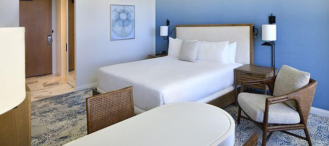 Waikiki Mountain View Guestroom