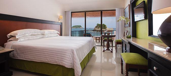 Premium Level Deluxe Oceanfront Guestroom