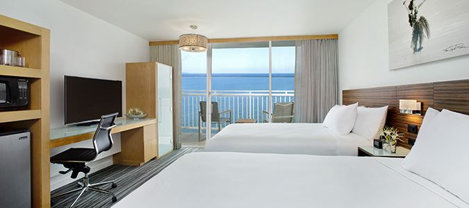 Oceanfront Guestroom with Lanai