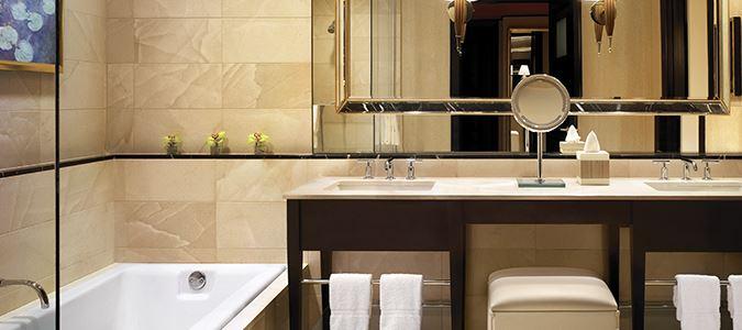 Encore Resort King Bath