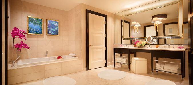 Encore Tower Suite Parlor Bath