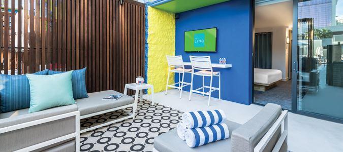 Deluxe Poolside Cabana Guestroom