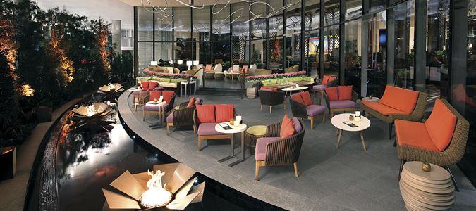 VICE VERSA Bar and Lounge