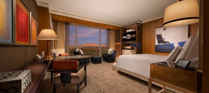 Wynn Panoramic Corner King Guestroom