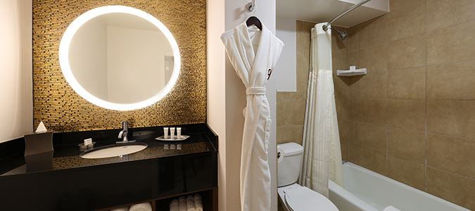 West Coast Guestroom Bath