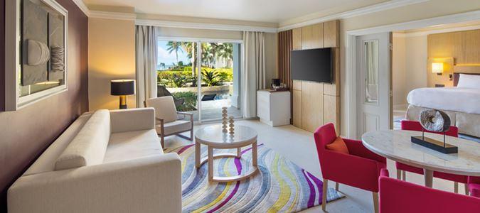 One Bedroom Oceanview Swim Up Butler Suite