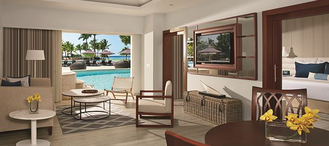 Preferred Club Master Suite Oceanview Swim Out