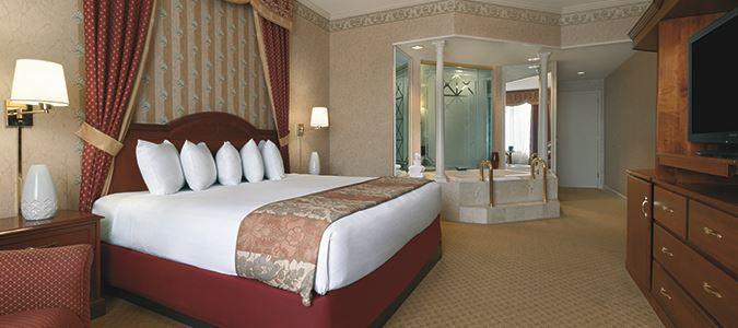 Deluxe King Luxury Suite