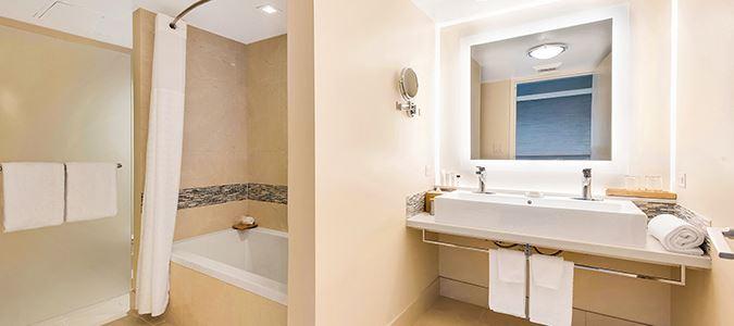 Junior Suite Oceanfront