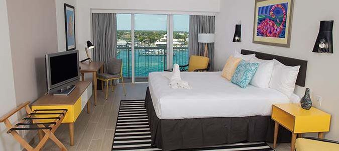Harbourfront Deluxe Balcony King Guestroom