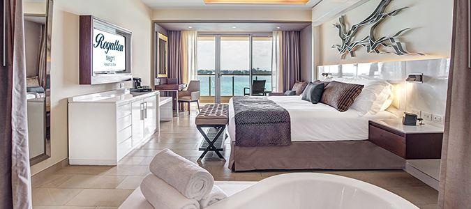 Luxury Junior Suite Oceanview