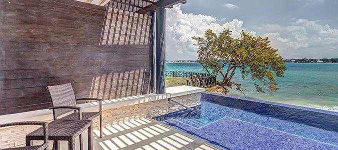 Luxury Junior Suite Swim Out