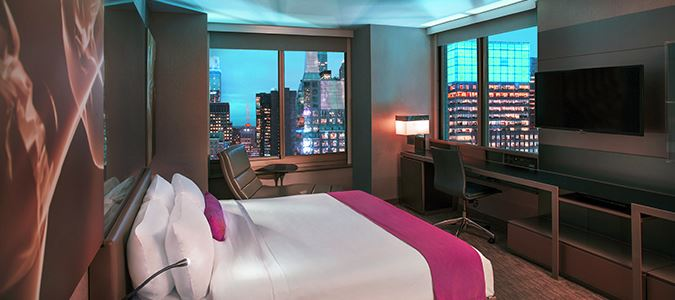 Cool Corner Guestroom with Times Square View