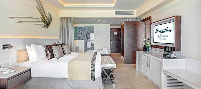 Luxury Junior Suite Ocean View Connecting Suite