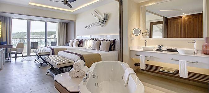 Luxury Presidential Ocean View One Bedroom Suite