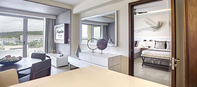 Diamond Club Luxury Presidential Ocean View One Bedroom Suite