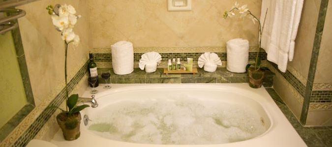 Diamond Oceanview Concierge Guestroom Bath