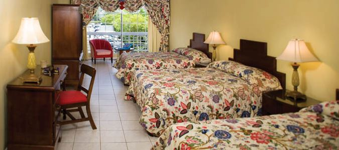 Family Guestroom with Mountainview